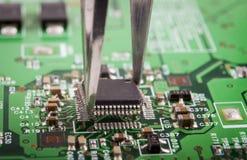 Montaje del microchip Foto de archivo libre de regalías