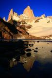 Montaje Fitz Roy la Argentina en la salida del sol Imagen de archivo
