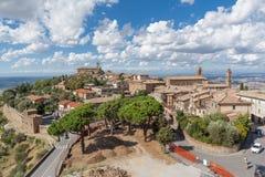 Montalcino από την οχύρωση, Τοσκάνη Στοκ φωτογραφίες με δικαίωμα ελεύθερης χρήσης