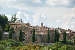Montalcino, de schilderachtige stad van Toscanië in Italië Stock Afbeeldingen