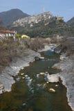 Montalto Ligure, pueblo en el valle de la Argentina Imagen de archivo