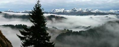 Montan@as de Glarus Fotos de archivo libres de regalías