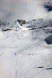 Montan@as del suizo de la cuesta de la nieve Imagen de archivo