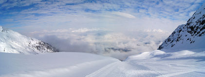 Montan@as en el invierno Imagen de archivo
