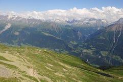 Montan@as suizas. Foto de archivo libre de regalías