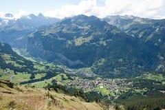Montan@as suizas (Kleine Scheidegg a Mannlichen) Fotografía de archivo