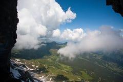 Montan@as y nubes suizas Foto de archivo