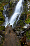 Montana Waterfall septentrional Imagenes de archivo