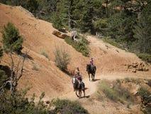 Montando en Bryce Canyon National Park, Utah, los E.E.U.U. Imágenes de archivo libres de regalías