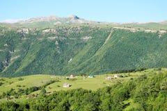 A montanha ajardina no terreno de Pluzine, Montenegro Imagens de Stock