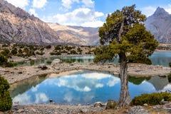 Montanha bonita, montanha de Tajiquistão de Fann, lagos Kulikalon fotografia de stock