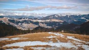 Montanha bonita do inverno Fotos de Stock Royalty Free