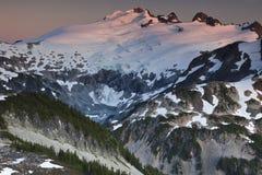 Montanha bonita do por do sol Fotografia de Stock Royalty Free