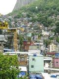Montanha coberta por casas pobres - Favela - Rio de janeiro imagem de stock royalty free
