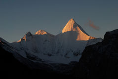 A montanha da neve de Konka Risumgongba Foto de Stock Royalty Free
