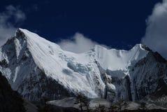 A montanha da neve de Konka Risumgongba Fotos de Stock Royalty Free