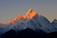 Montanha da neve de Meri fotografia de stock