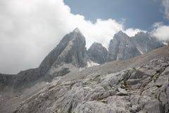 Montanha da neve do dragão do jade foto de stock royalty free