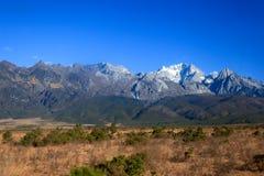 Montanha da neve do dragão do jade fotos de stock royalty free