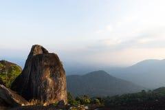 Montanha da rocha fotografia de stock royalty free