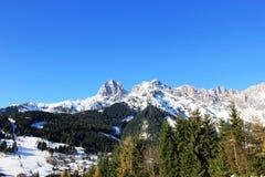 Montanha de Áustria do inverno nos cumes Imagens de Stock Royalty Free