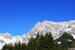 Montanha de Áustria do inverno nos cumes Imagem de Stock Royalty Free