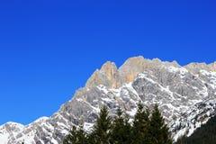 Montanha de Áustria do inverno nos cumes Foto de Stock
