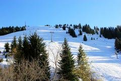 Montanha de Áustria do inverno nos cumes Fotos de Stock Royalty Free