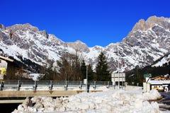 Montanha de Áustria do inverno nos cumes Fotografia de Stock Royalty Free