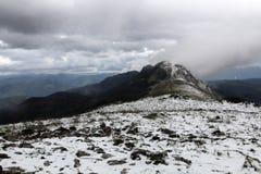 Montanha de Gazume no país Basque imagens de stock royalty free