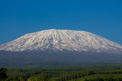 Montanha de Kilimanjaro em Tanzânia, África foto de stock