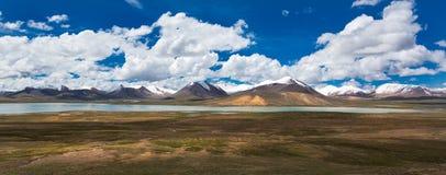Montanha de Nianqing Tanggula foto de stock royalty free