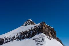 Montanha de Oldenhorn em Suíça foto de stock royalty free