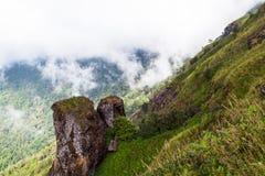 Montanha de pedra na Kew-Mae-bandeja imagens de stock royalty free