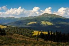 Montanha de Pip Ivan em Carpathians Fotos de Stock