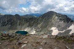 A montanha de Rila, lago e Musala Ledenoto (gelo) repica Imagens de Stock