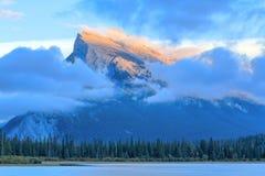 Montanha de Rundle Fotos de Stock