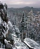 Montanha de Stolby em Sibéria fotos de stock