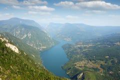 Montanha de Tara do stena de Banjska do ponto de vista Foto de Stock