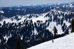 Montanha do cristal dos cumes da neve de Sking Fotografia de Stock
