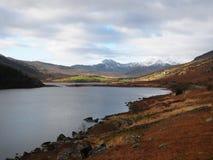 Montanha do lago e da neve Foto de Stock Royalty Free