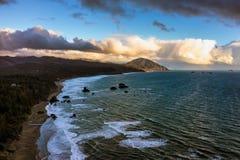 Montanha do sul da farsa da costa de Oregon imagem de stock
