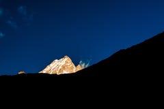 Montanha dourada da neve Fotos de Stock Royalty Free