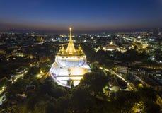 Montanha dourada em Banguecoque fotos de stock royalty free