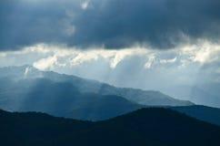 Montanha e céu Foto de Stock
