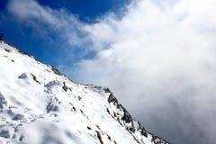 Montanha e céu Fotografia de Stock Royalty Free