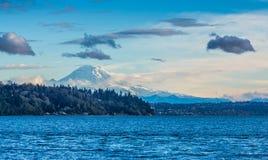 Montanha e cena de Puget Sound imagem de stock