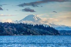 Montanha e cena 6 de Puget Sound foto de stock