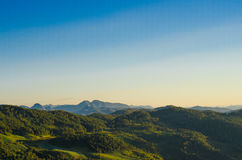 Montanha e floresta Foto de Stock