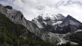 Montanha e geleira da neve Imagem de Stock Royalty Free